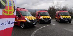 Remise des clés de 5 véhicules de secours et d'assistance aux victimes